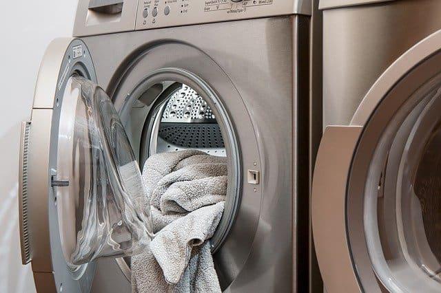 ניקוי מכונת כביסה בקלות וביעילות עם חומרי הניקוי של SAG